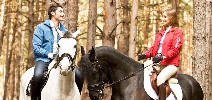 2 дня с завтраками, бассейном и катанием на лошадях в комплексе «Конюшня Бутенко» под Киевом