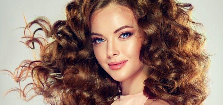 Стрижка, калифорнийское мелирование, тонирование или омбре с укладкой волос в центре «Шанти»