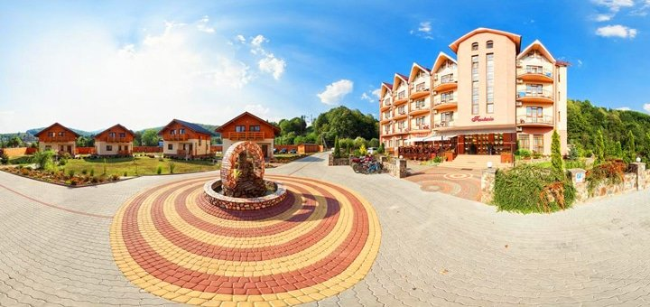 От 3 дней отдыха со SPA-оздоровлением в гостиничном комплексе «Фантазия» в Поляне